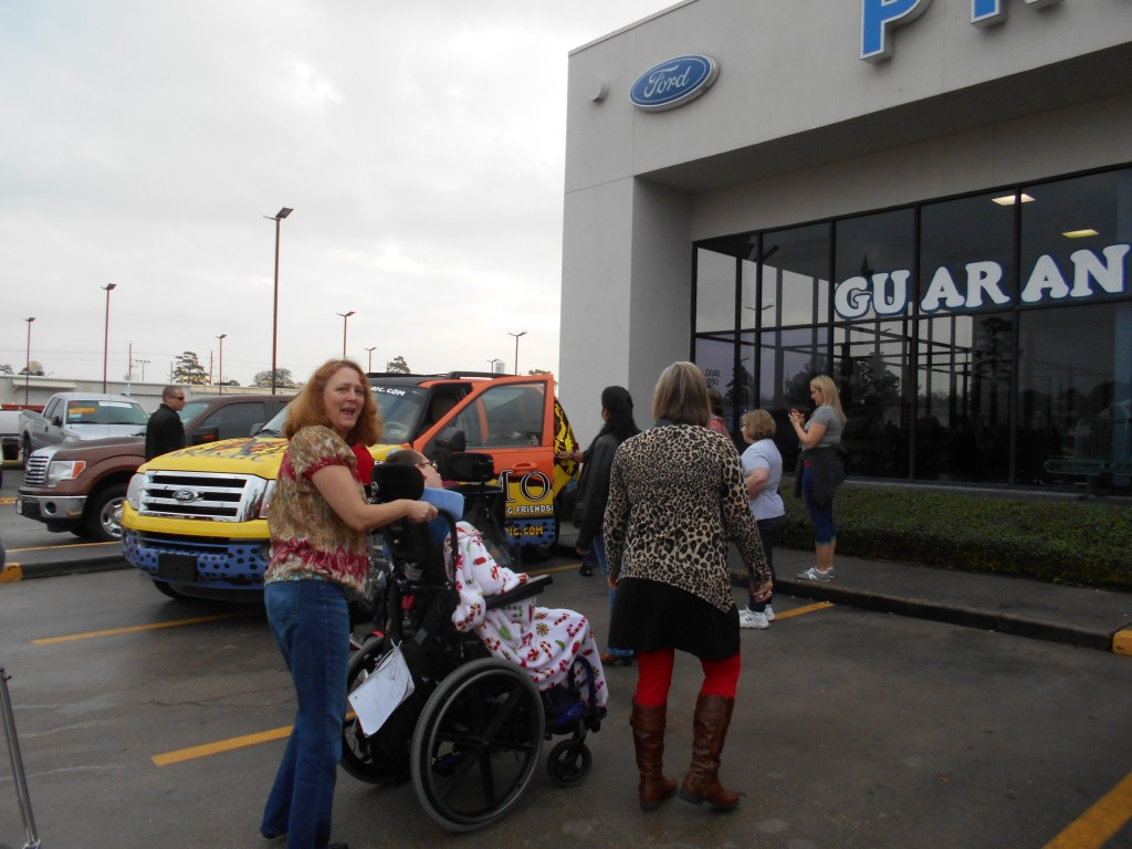 Mosaic and Best Buddies Arrive at Planet Ford 59 to pick up custom Expedition Donated from Randall