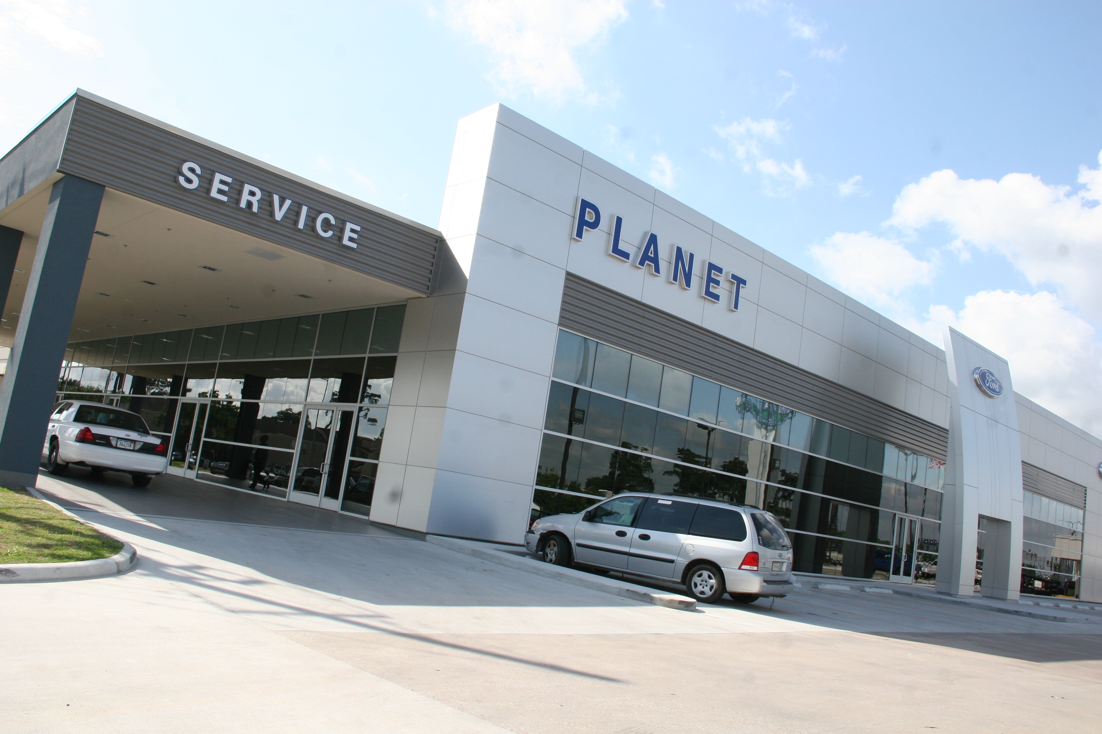 Planet Ford 59 >> Planet Ford Reveals Ford Showroom, Service Drive - Planet Ford 59Planet Ford 59