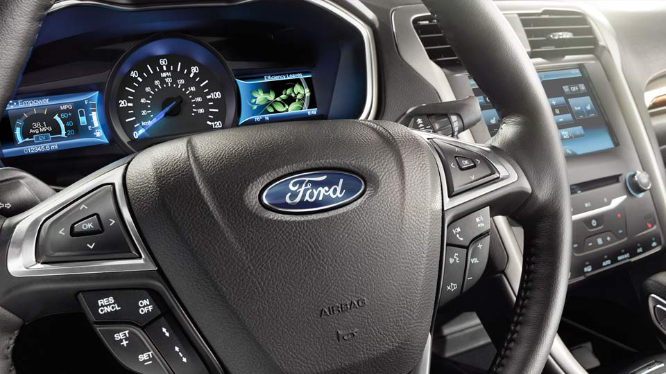 The  Fusion Is Smart Safe And Stylish Planet Ford Planet Ford